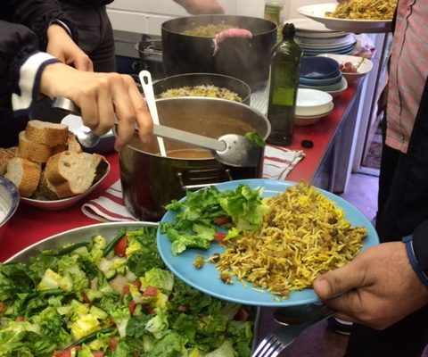 We are looking for a Cooking and Community Support Volunteer
